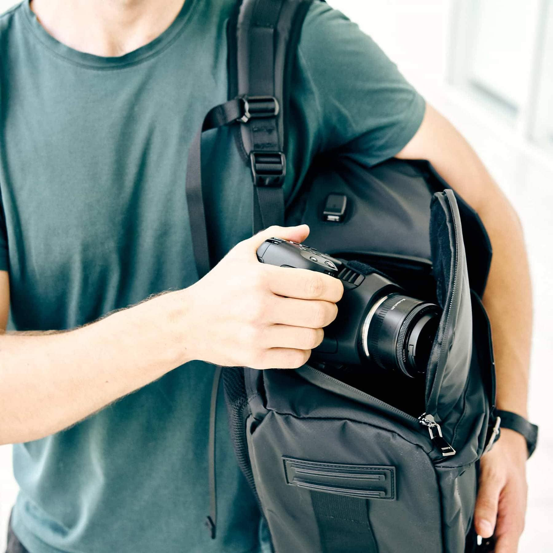 Wildlife Photography Tips - Best Camera Backpack - Sunny 16