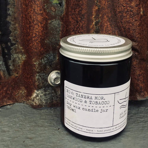 Oakwood & Tobacco - Luxury Soy Candle 120ml