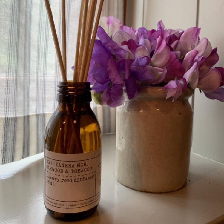 Oakwood and Tobacco Luxury Reed Diffuser 98ml