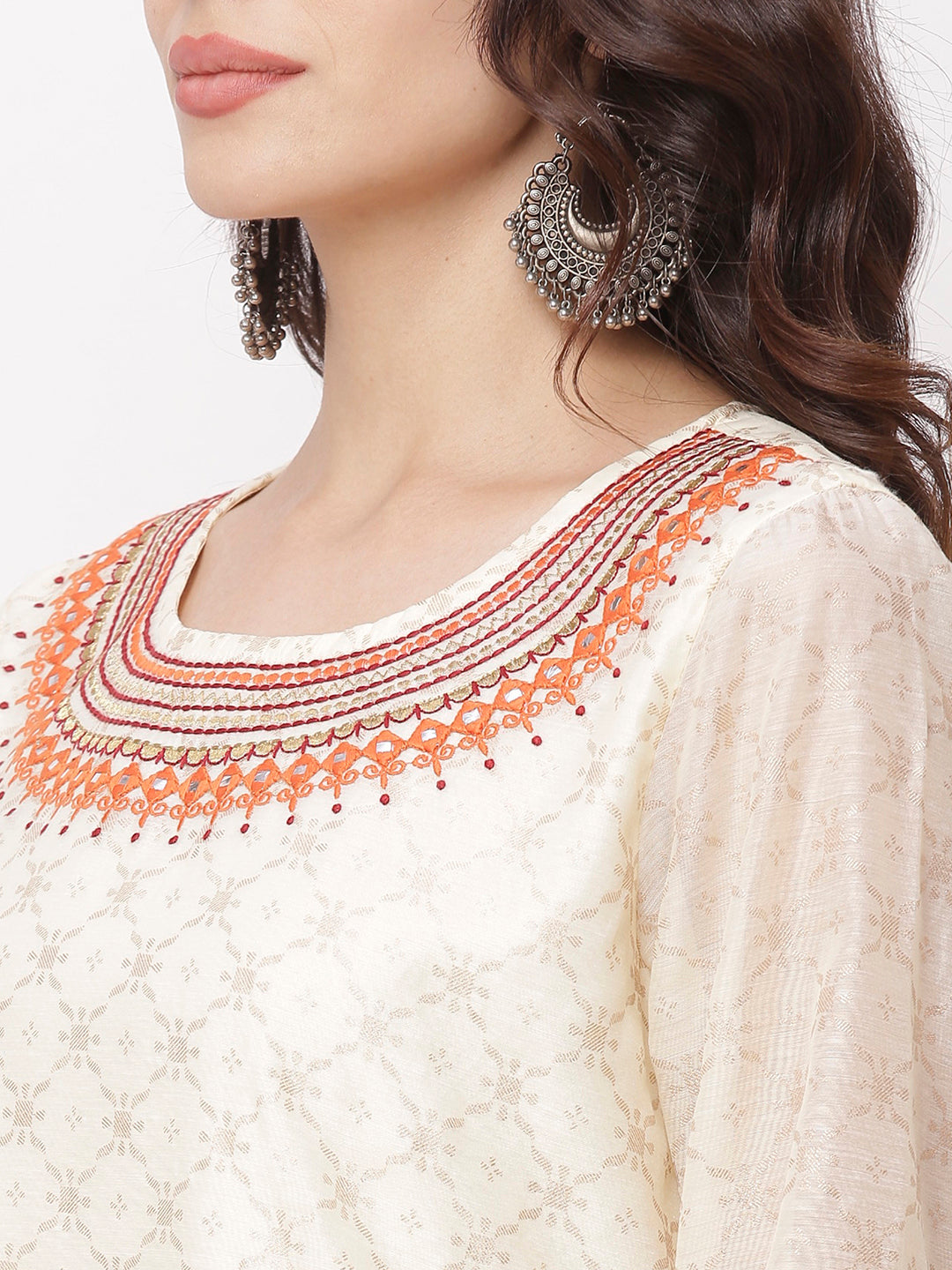 Globus White Embroidered Kurta-4