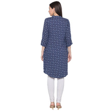 Load image into Gallery viewer, Globus Blue Embroidered Kurta-3