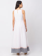 Load image into Gallery viewer, Globus White Printed Dress-3