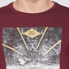 Load image into Gallery viewer, Globus Maroon Graphic T-Shirt5