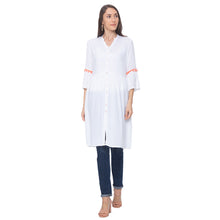 Load image into Gallery viewer, Globus White Solid Kurta-4