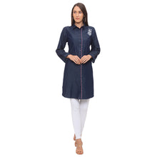 Load image into Gallery viewer, Globus Blue Floral Kurta-4