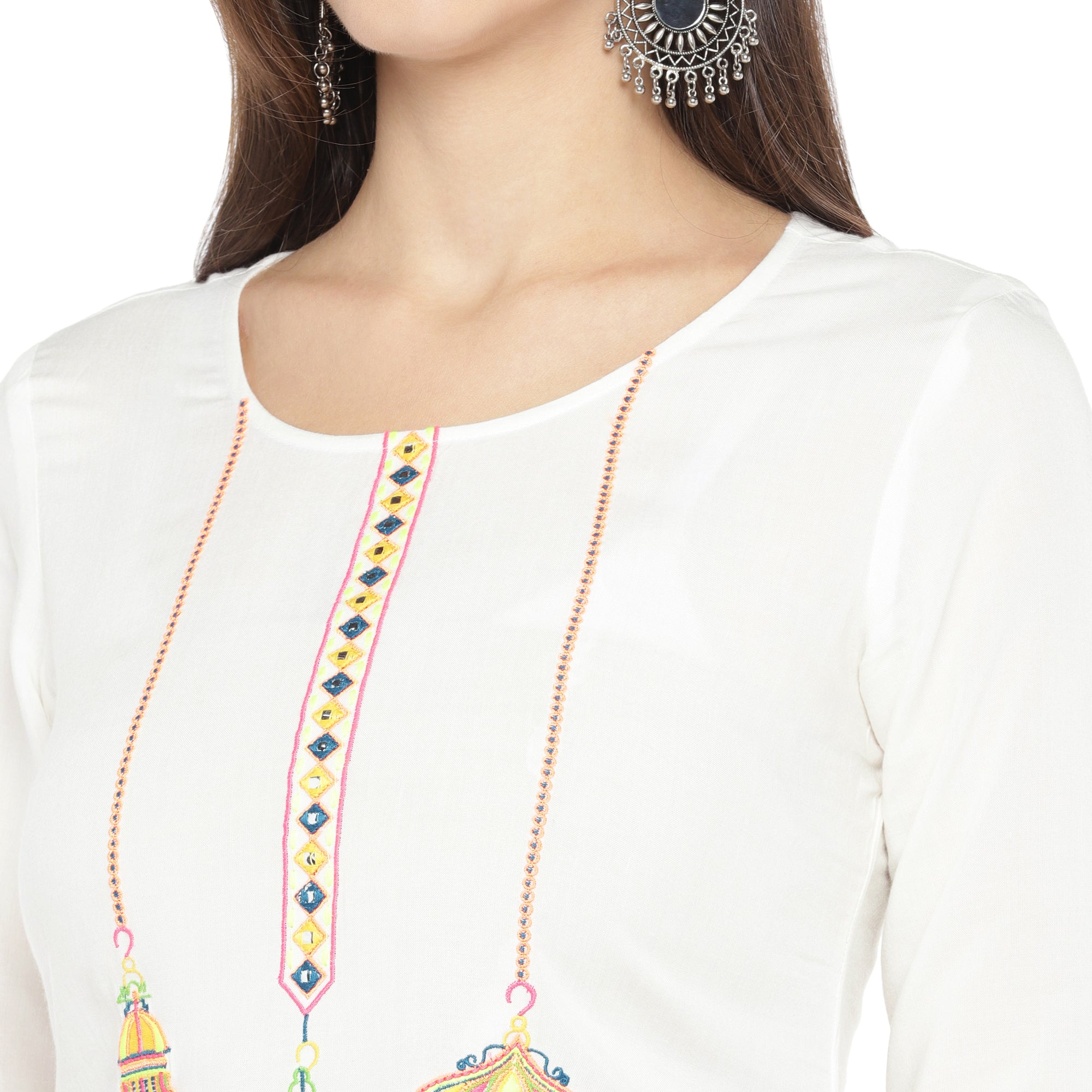 White Embroidered Straight Kurta-5