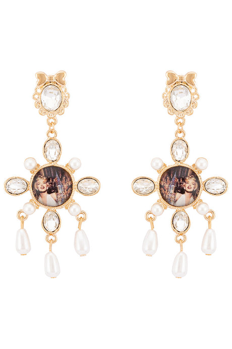 Marilyn Monroe Chandelier Earrings-1