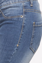 Load image into Gallery viewer, Cropped Denims-5