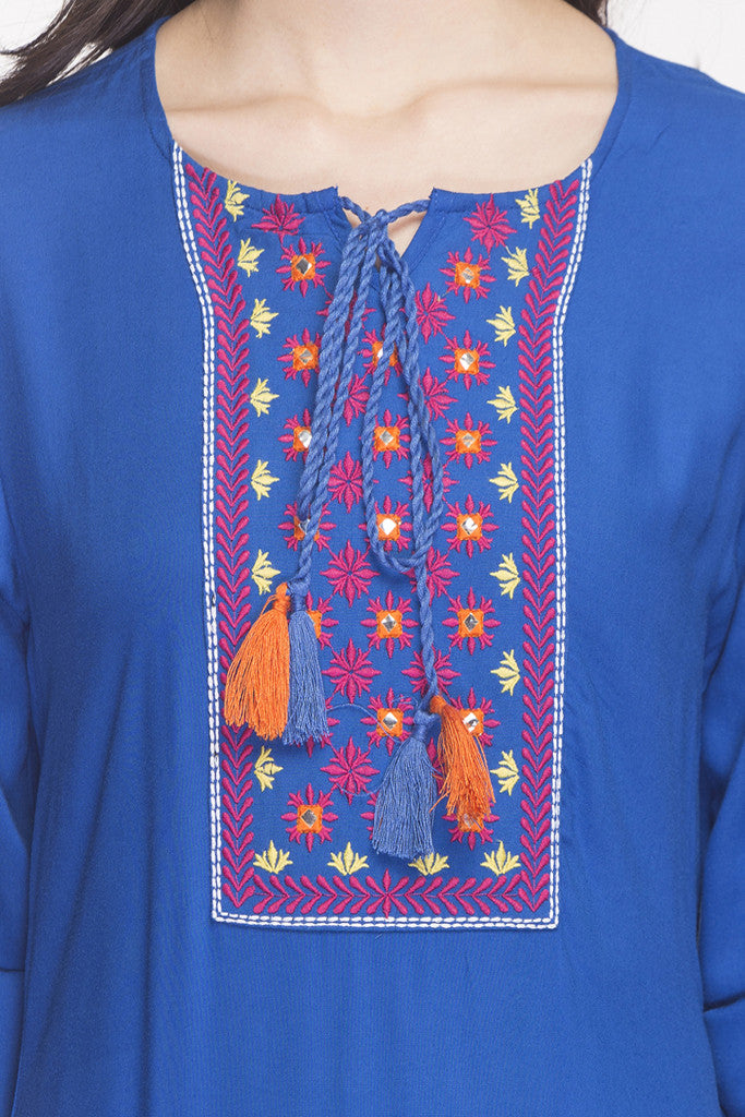 Embroidered Handkerchief Hemline Kurta-6