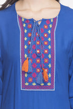 Load image into Gallery viewer, Embroidered Handkerchief Hemline Kurta-6