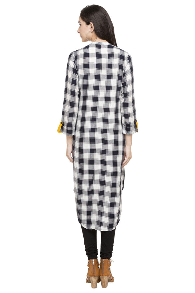Curved Hemline Checked Kurta-3
