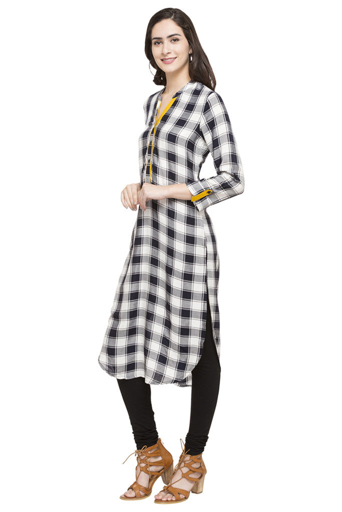 Curved Hemline Checked Kurta-5
