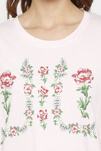 Load image into Gallery viewer, Floral Wreath Print T-shirt-5