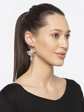 Load image into Gallery viewer, Gold Hoop Earrings-3