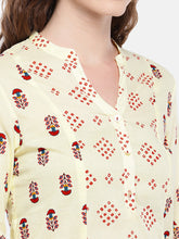 Load image into Gallery viewer, Women Beige & Red Printed Straight Kurta-5