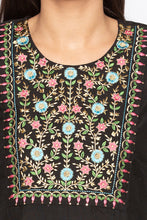 Load image into Gallery viewer, Floral Embroidered Ethnic Kurta-5