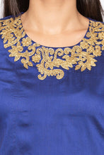 Load image into Gallery viewer, Embellished Round Neck Kurta-5