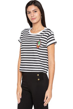 Load image into Gallery viewer, Striped Boxy T-shirt-4