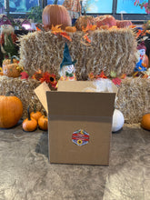 Load image into Gallery viewer, Dunvegan Gardens Thanksgiving Dinner Box