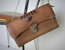 Load image into Gallery viewer, French leather Poste bag