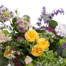 Load image into Gallery viewer, The Florists Choice Short