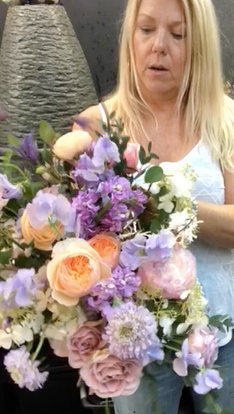 susan davis live instagram bouquet tutorial - spring bouquet
