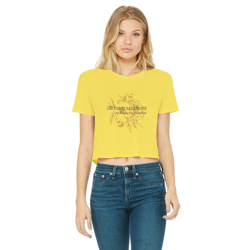 the florist has arrived, get ready for beautiful cropped daw edge graphic tee