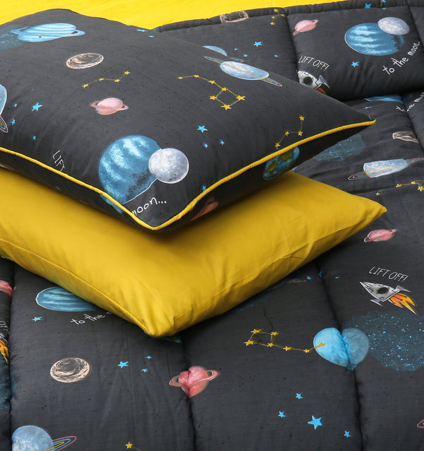 4 PCs Cartoon Character Comforter Set - Galaxy