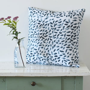 Cushion cover - Petals in deep blue - listliving