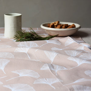 Table runner - Ginkgo in sand - listliving