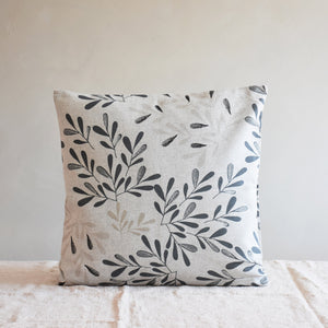 Cushion cover - Garden leaves in gray - listliving