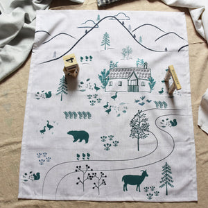 Linen baby/toddler blanket - Countryside house - listliving