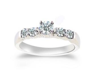Engagement Ring by Glitz Design