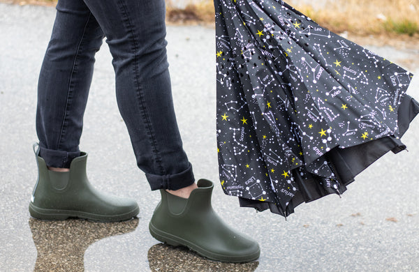 Woman with Zodiac inBrella and Loden Cirrus Chelsea Boots