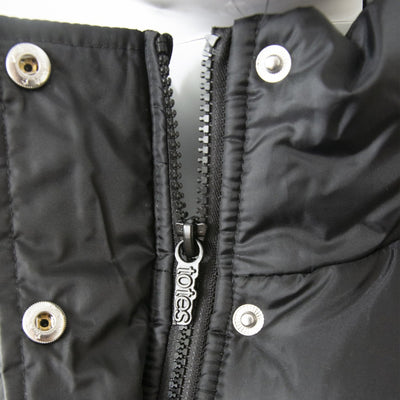Women's Long Boxed Quilted Coat in Black Close Up Zipper View