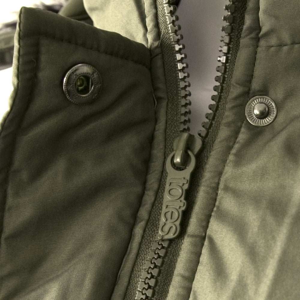 Women's Anorak with Drawstring Waist in Olive Zipper and Fastener Close Up