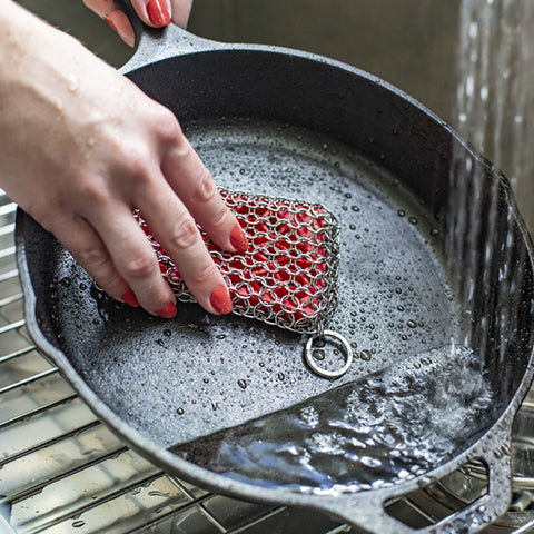 Chainmail Scrubbing Pad by Lodge