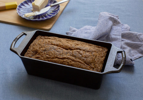 PRE-ORDER NOW! (AVAIL. FEB 2021) - LODGE 8.5 Inch x 4.5 Inch Seasoned Cast Iron Loaf Pan