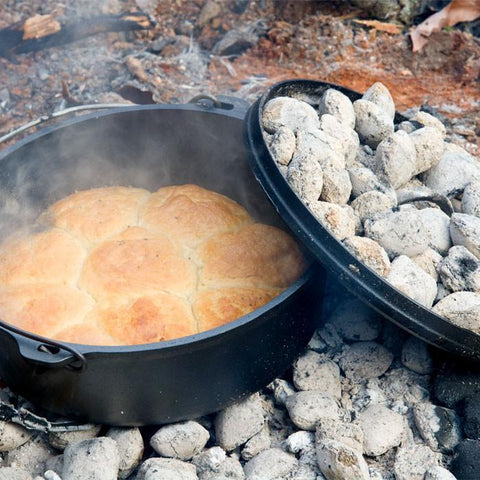 10 Inch / 4 Quart Camp Dutch Oven, 3.5 inch depth by Lodge