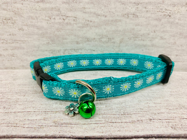 Daisy Print Puppy/Small Dog Collar