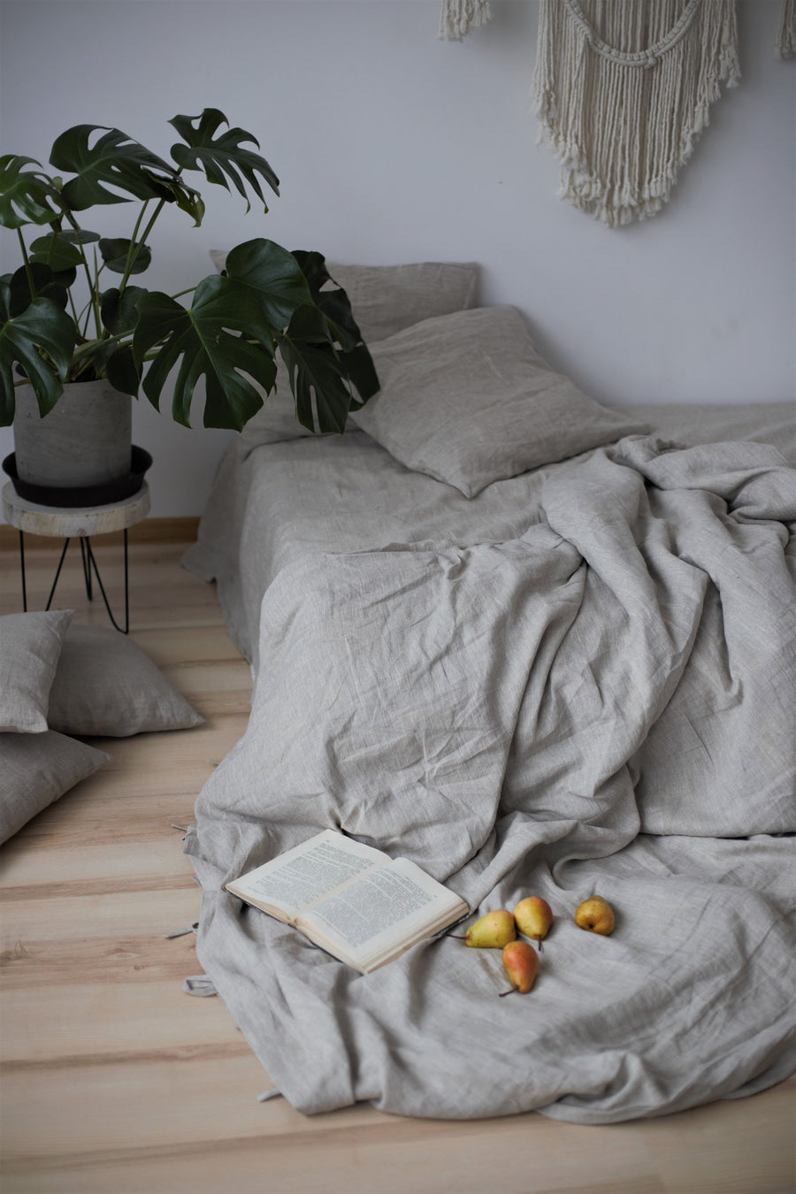 Set Of Natural Light Linen Duvet Cover And 2 Pillowcases