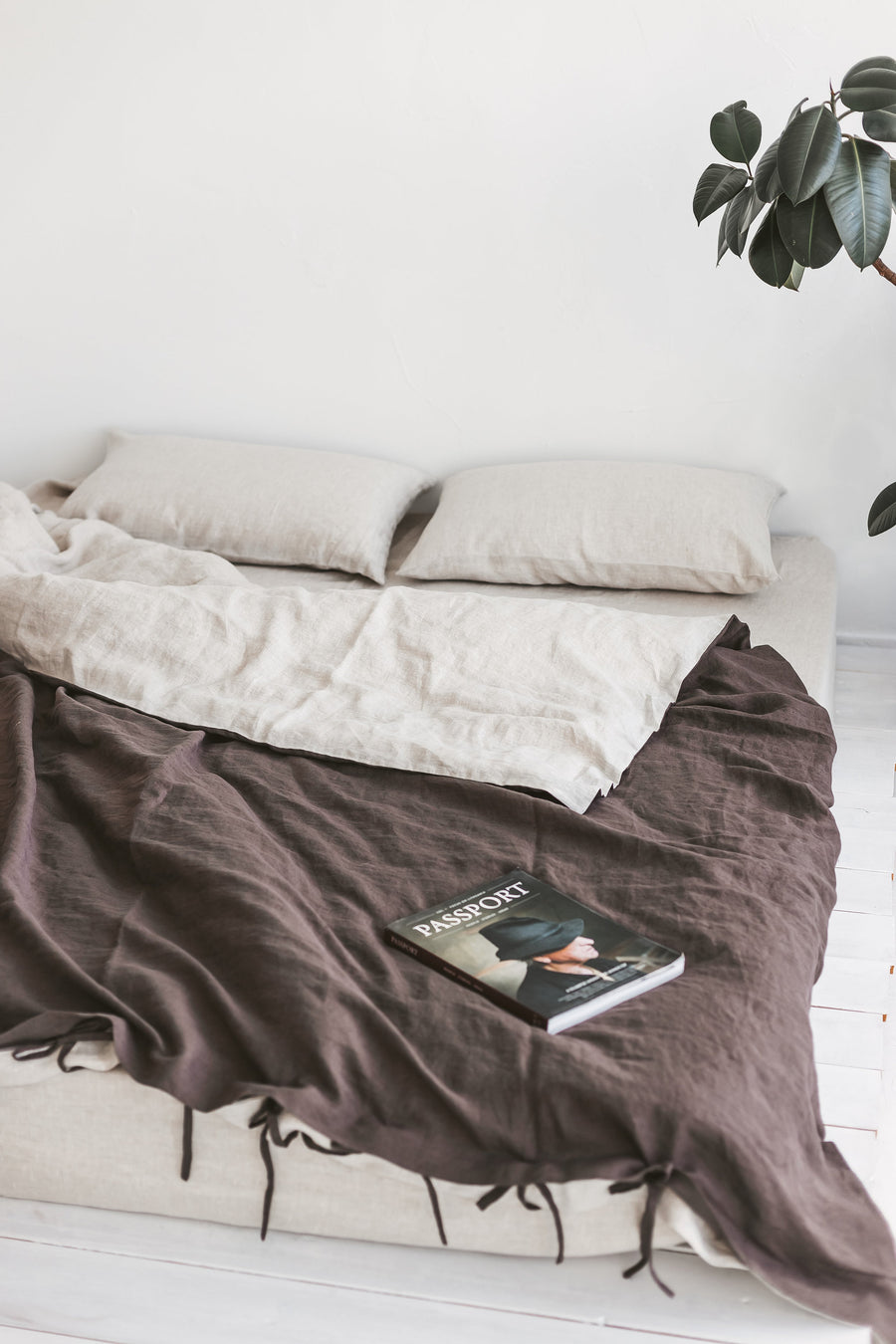 Set Of Two Sided Linen Duvet Cover And 2 Pillowcases