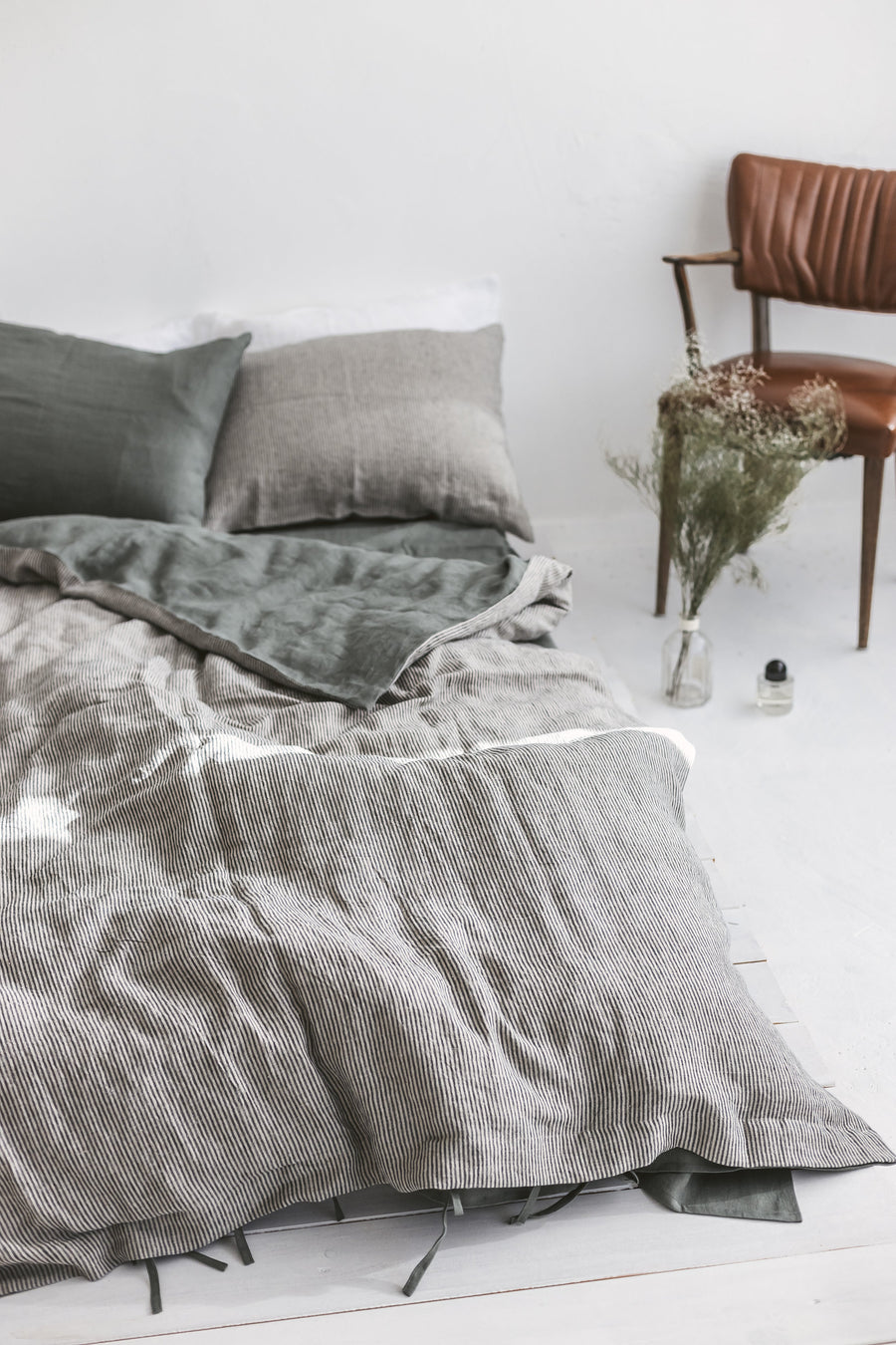 Two Sided Linen Duvet Cover And 2 Pillowcases