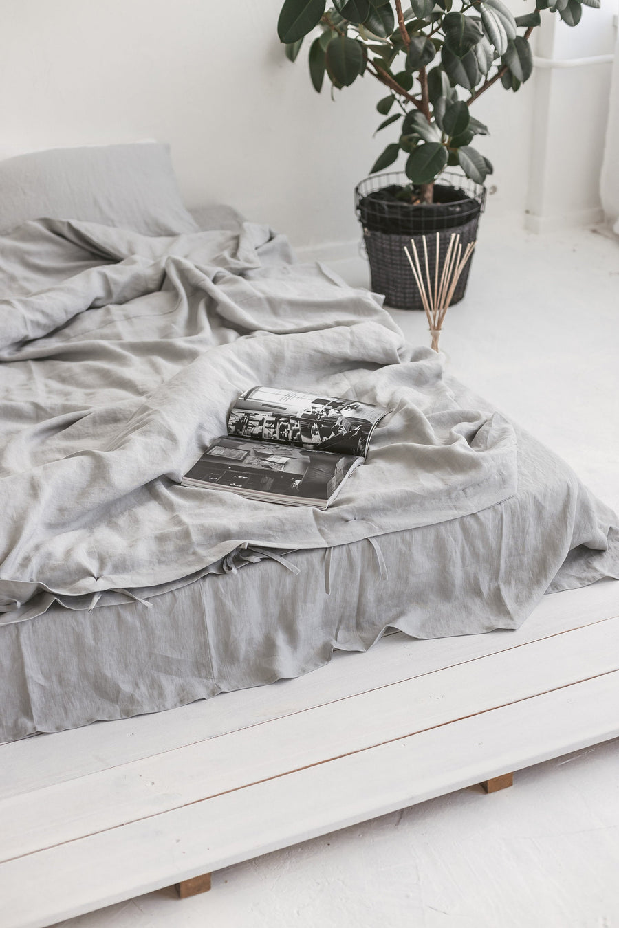 Set Of Cloud Gray Linen Duvet Cover And 2 Pillow Cases