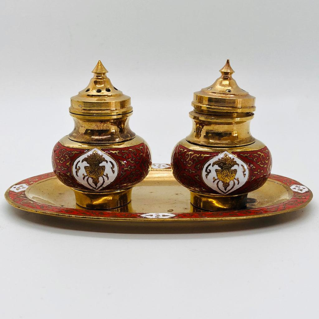 Vintage Oriental Style in Dish Vintage Salt and Pepper Shakers