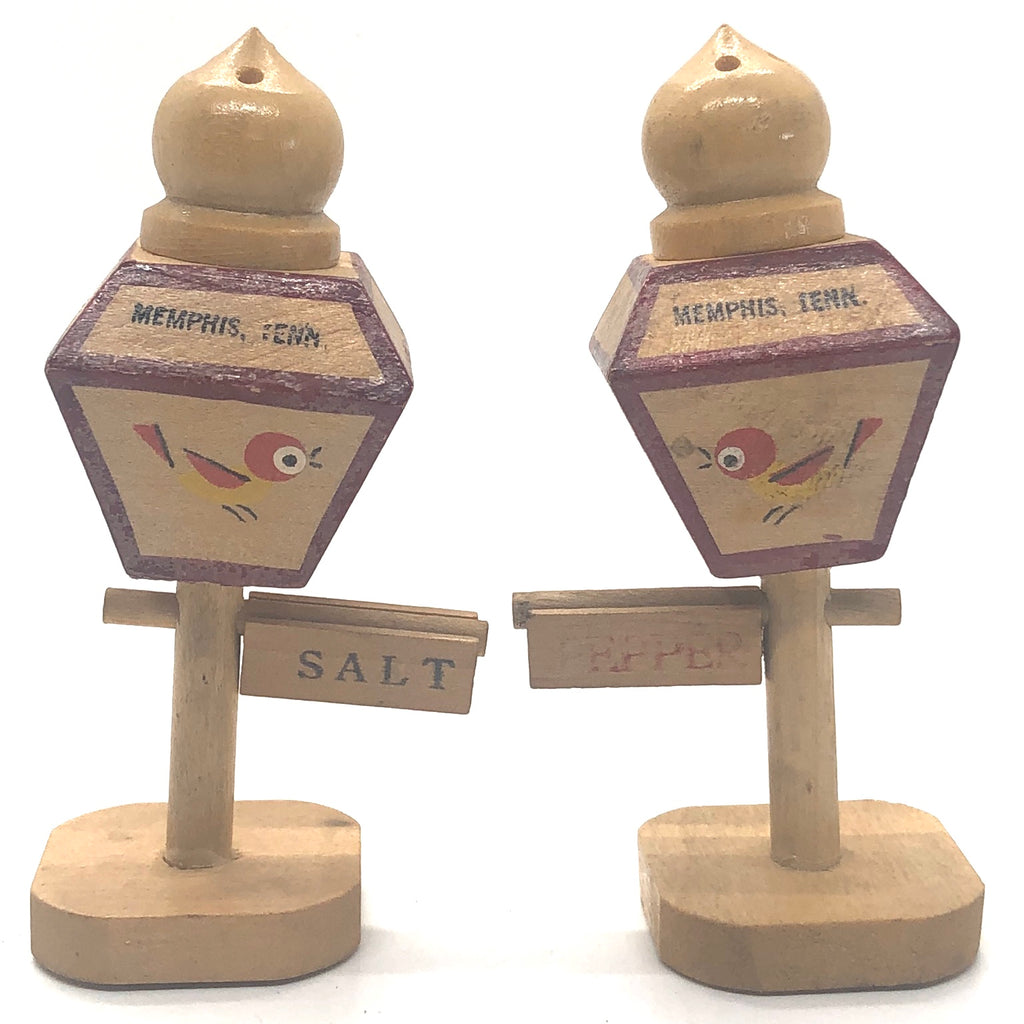 Memphis Tenn. Wooden Street Lights Vintage Salt & Pepper Shakers