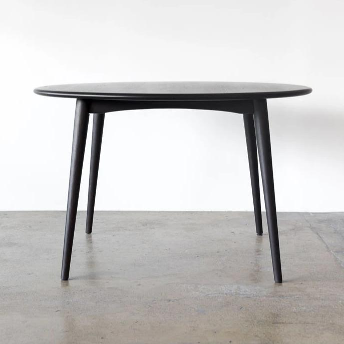 Round Dining Table 167 designed by Takahashi Asako for Feelgood Designs