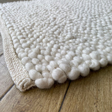 Load image into Gallery viewer, Voras Hand Woven Wool Rug - Natural