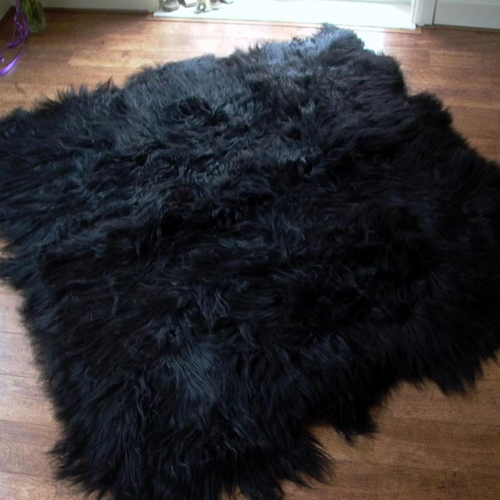 Icelandic Sheepskin Rug Black (Octo) XL