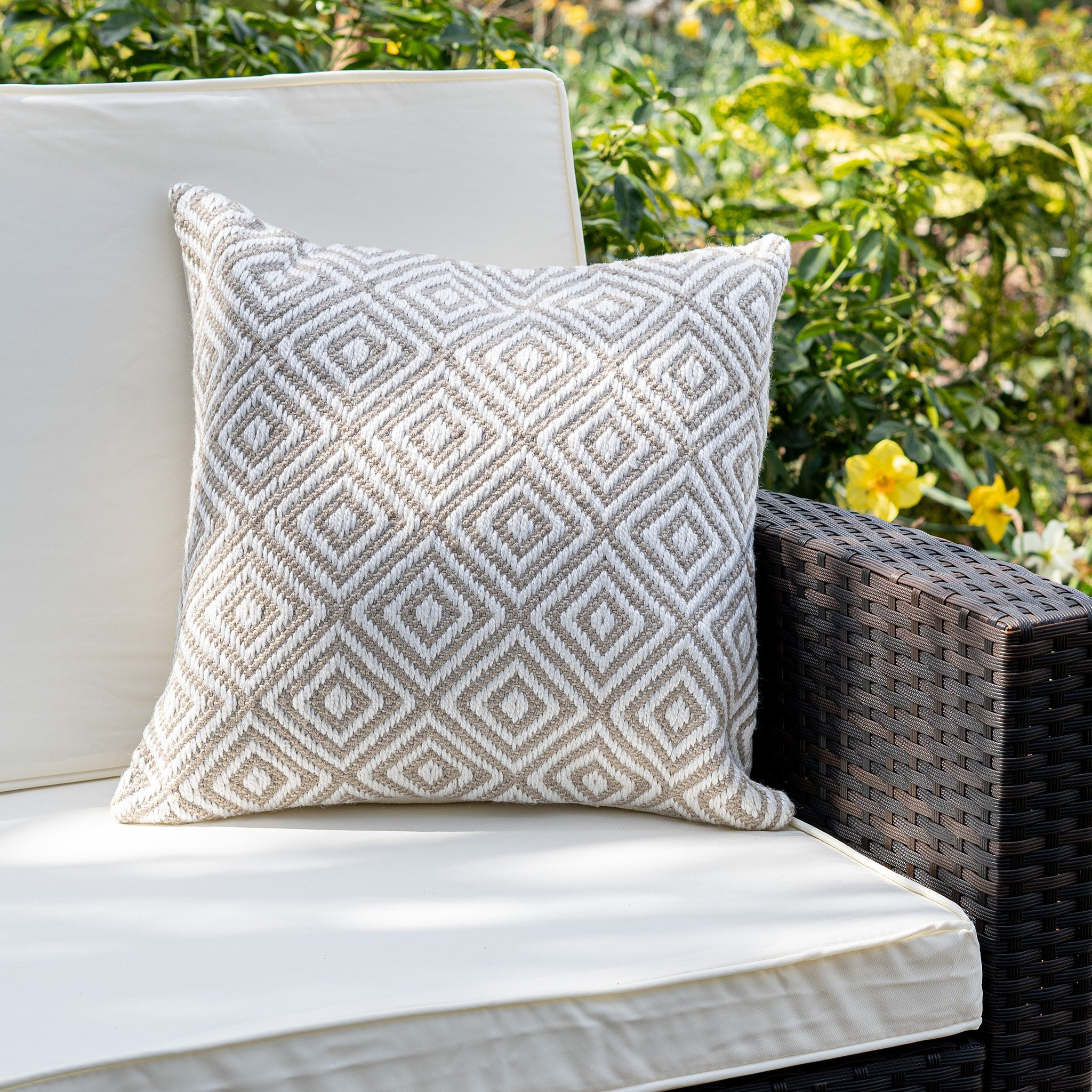 An image of Modern Diamond Eco-Friendly Woven Indoor / Outdoor Rug 45cm Cushion / Natural